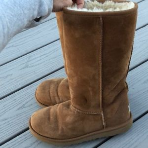 Uggs size 5 camel